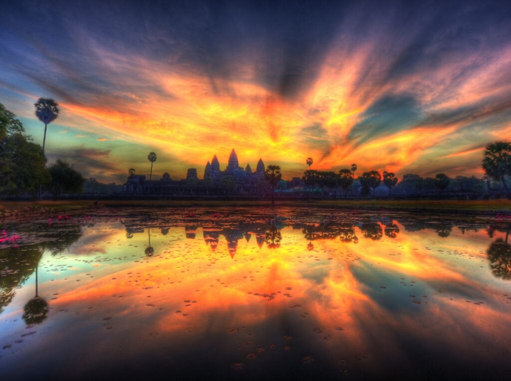beautiful sunrise over water